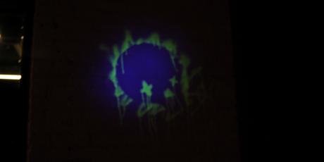 Glowffiti – Invisible UV Glowing Graffiti Spray Paint