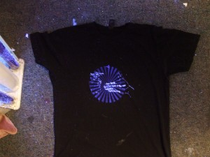 THP shirt under UV light